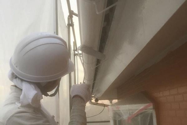 雨どい 2回目塗装 施工中